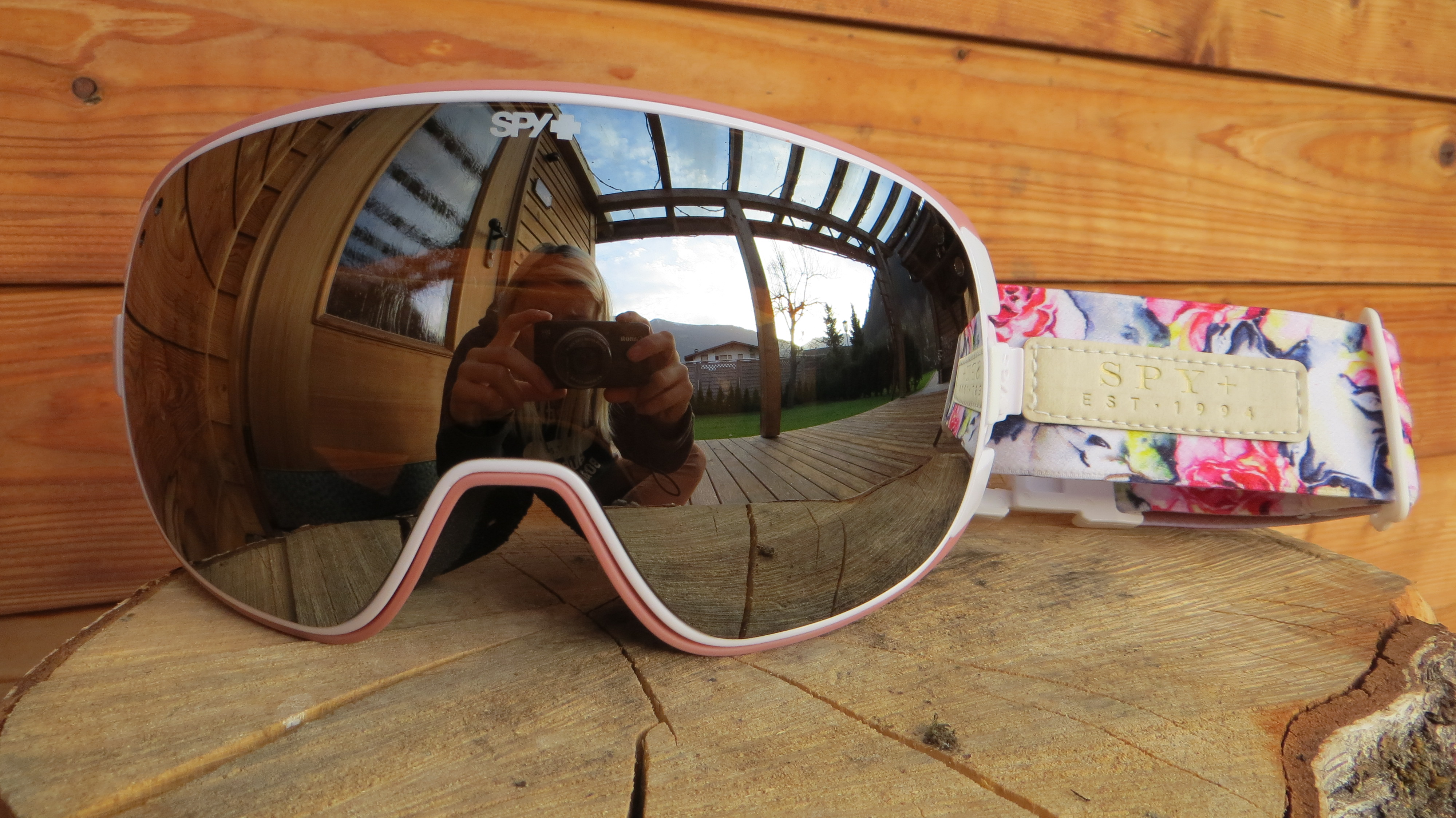 Christmas gift ideas for your snowboarding girlfriend 2014/2015 ...